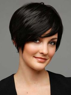 Pixie Haircuts for Fat Faces | Layered short bob hairstyle for chubby face