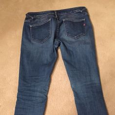 Cutest jeans I've ever owned! Size 27 Cutest jeans I've ever owned! Size 27 I wish these still fit me!! They are my absolute favorite! Jeans Skinny