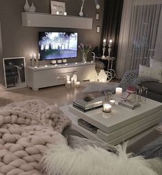 53 affordable apartment living room design ideas on a budget 31 - 16 room decor Apartment design ideas Living Room Decor Cozy, Living Room Grey, Home Living Room, Apartment Living, Living Room Designs, Cozy Apartment, Table For Living Room, Budget Living Rooms, Loving Room Decor