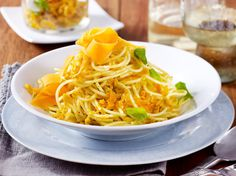 Spaghetti mit Möhren-Pesto Rezept   LECKER