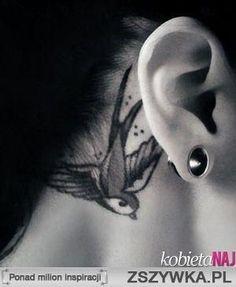 Tatuaż za uchem - odważyłabyś się ?