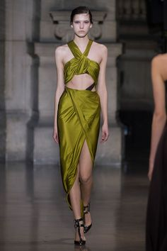 Yiqing Yin | Spring 2016 Couture | 09 Green cut-out halter midi dress