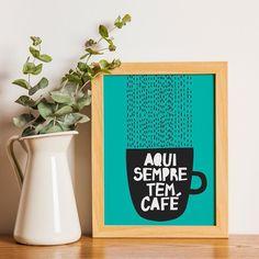 Ei vamos dar uma paradinha para um café?  Vem! Aqui sempre tem café. - Promoção de Fim de Ano: até 30% de Desconto.  São mais de 200 artes em 4 tamanhos diferentes e 6 cores de moldura para você escolher.  #euamomeular - http://ift.tt/1dqyBxz (link na bio). #nacasadajoana #abaixoasparedesvazias #pôster #posters #quadros #enquadrados #design #decoração #decor #interiordesign #pinterest #meunacasadajoana #casa #lar #café #coffee #coffeelover