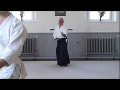 Traditional Aikido Warm Up And Strecthing Exercises Martial Arts Techniques, Self Defense Techniques, Aikido Martial Arts, Kendo, Mind Body Spirit, Pick One, Weapons, Hobbies, Landscapes