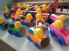 Okul öncesi rulolardan tren yapımı.