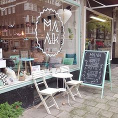 Yesterday I visited this cute shop in Rotterdam a place where you can shop for home accessories and gifts and also enjoy a nice cup of tea with homemade cake ! Small Coffee Shop, Coffee Bar Home, Cafe Design, Store Design, Memo Boards, Home Accessories Stores, Ar Accessories, Gift Shop Displays, Deco Restaurant