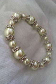 Beautiful light green bead stretch bracelet by Euphena on Etsy, £20.00
