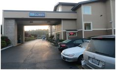 Discount Motels Bellingham WA offers 51 Air-Conditioned guest rooms including 3 King Jacuzzi Suites. Many guest rooms include refrigerator and microwave.