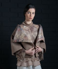 Ecoprint collection 2016 Montse Lira diseño textil hecho en Chile Silk crepe, habutai and nunofelt Natural Cushions, Recycled Dress, Travel Wear, Textiles, Design Art, Nature, Fabric, Prints, How To Wear