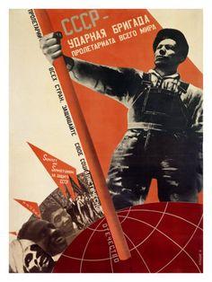 Cartaz Soviético criado por Gustav Klutsis Caracterização de fotomontagens que releva um trabalhador russo a liderar o caminho para o alemão, chinês e outros comunistas na criação de um mundo soviético. Trabalhos de Klutsis pertencem ao movimento construtivista que anúncia uma nova era Modernista!
