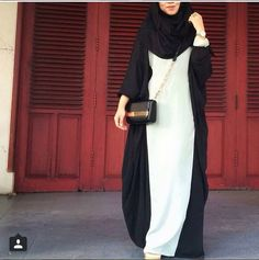 hijab, islam, and muslim resmi Islamic Fashion, Muslim Fashion, Modest Fashion, Mode Abaya, Mode Hijab, Modest Wear, Modest Outfits, Modest Dresses, Long Dresses