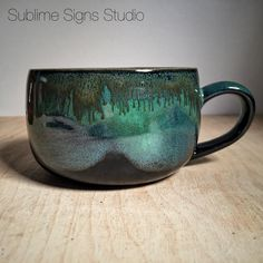 Seaweed over Obsidian on buff stoneware fired to cone By Amanda Joy Wells of Sublime Signs Studio. (Both are Amaco glazes) Glazes For Pottery, Pottery Mugs, Ceramic Pottery, Pottery Art, Earthenware, Stoneware, Stars Disney, Ceramic Glaze Recipes, Amaco Glazes