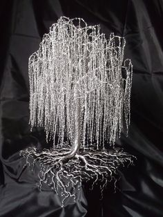 "Figure out even more details on ""metal tree wall art decor"". Take a look at our internet site. Metal Tree Wall Art, Metal Art, Tree Wall Decor, Art Decor, Wire Tree Sculpture, Wire Sculptures, Painting Shower, Wire Trees, Popular Crafts"