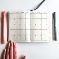 What size notebook do you use? I prefer A5 but love how compact A6 notebooks are! . . . . #BulletJournal #BulletJournaling #BulletJournalCommunity #bujolove #BuJo #BulletJournalJunkies #BuJoJunkies #BulletJournalLove #bujojunkies #bujoinspire #bujobeauty