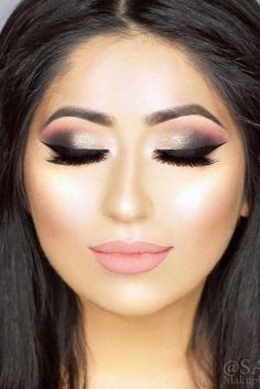 Need wedding makeup ideas? Our collection is a life saver. Get inspiration for your day and look stunning. Wedding Makeup For Blue Eyes, Simple Wedding Makeup, Wedding Makeup Tips, Natural Wedding Makeup, Wedding Makeup Looks, Bride Makeup, Natural Makeup, Makeup Inspiration, Makeup Ideas