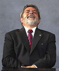Lula ri enquanto a imprensa de mercado não o esquece jamais | Brasil 24/7
