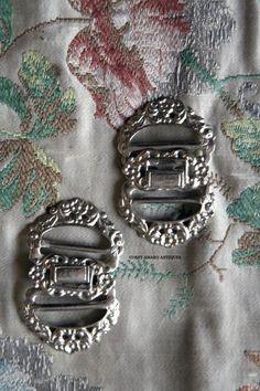 Metal-garter-buckles