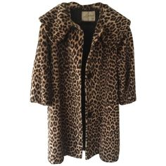 Pre-owned Vintage 1920s Faux Fur Fur Coat (7.215 ARS) ❤ liked on Polyvore featuring outerwear, coats, jackets, leopard print, fur coat, brown fur coat, leopard print faux fur coat, 1920s coat and fake fur coat