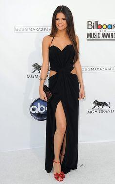 Selena Gómez se presentó en los Billboard Music Awards 2011 en Las Vegas, Nevada, el domingo (22 de mayo) por la noche. Selena deslu...