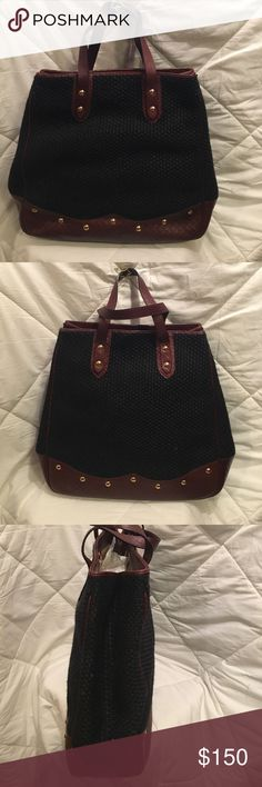 Authentic Vintage Bottega Venetia Handbag Perfect condition - linen/straw like material with brown leather trim. Inside cloth lining with zippered pocket. Bottega Veneta Bags Totes