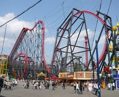 Eejanaika Fuji-Q Highland, Japan Another one to add to the bucket list. They have a few other good ones at this park too.