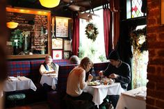 The 10 Best Restaurants for Celebrity Sightings in New York (is that Blake Lively?)
