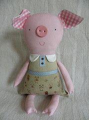 pig  So dang cute I want the pattern!