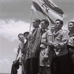 Holocaust survivors arrive in Israel in 1945.