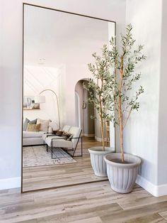 Dream Home Design, Home Interior Design, House Design, Interior Architecture, Home Living Room, Living Room Designs, Living Room Decor, Room Decor Bedroom, Apartment Living