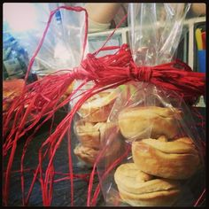 easy apple pie gifts more pie gifts gift ideas mince pies pies ...