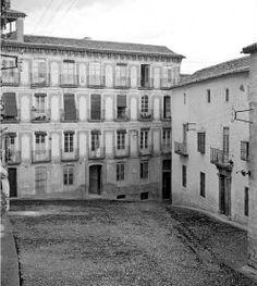 Plaza de las Cruces. https://www.facebook.com/pages/Colegio-Oficial-de-Agentes-Comerciales-de-la-Provincia-de-Ja%C3%A9n/334785963255265