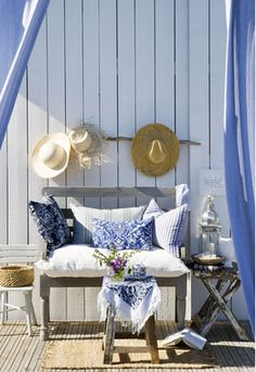 Thrine Torsen design, I'm beginning to really like blue & white. think I'll sit here awhile, take off the sandals....ah.