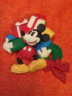 Vintage Hallmark Disney Christmas Mickey Mouse Brooch Pin Lapel Pin Collectible | eBay