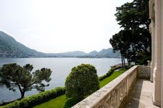 Experience Lake Como from a classical frame, with a twist of contemporary style! For a unique wedding #comoinstyle