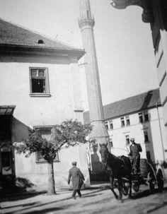 1930 MAGYARORSZÁG EGER a római katolikus templom (volt Irgalmasok temploma) előtti téren a Minaret.  photo:fortepan Hungary, Street View