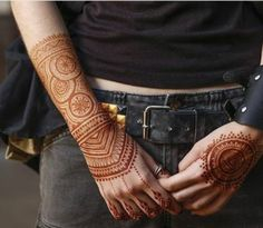 9 Traditional Henna Tattoo Designs