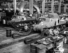 Tank factories of the Second World War, - The History Gen M3 Lee, Rare Historical Photos, Ww2 Tanks, Cool Tanks, Battle Tank, World War One, Panzer, Armored Vehicles, War Machine