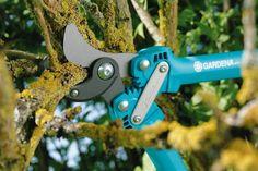 Mnohonásobně oceněné kovadlinkové nůžky na větve GARDENA Comfort 500 AL váží jen 600 g, a proto jsou velmi lehké a snadno se používají. A přesto jsou výkonné. Max. průměr střihu 35 mm.