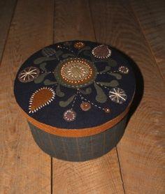 Wool appliqué Make-do box