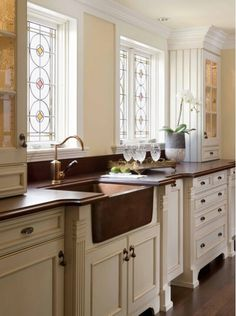 Delicate Stained Glass Design in Kitchen