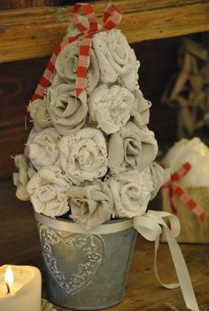 DIY: Christmas Decorations DIY in My Home -Shabby Soul - tutorial on making fabric roses on this post.