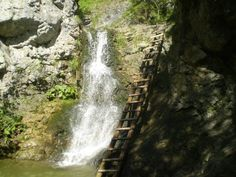 Vodopád v Kvačianskej doline Chočské vrchy Mountains, Bergen