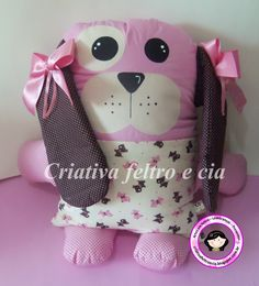 Boa tarde!! Sumida por demais né....rsrs....muito trabalho graças a Deus!!! E hoje venho mostrar mais uma almofada fofa que foi entregu... Fabric Animals, Sock Animals, Toddler Toys, Baby Toys, Sewing Crafts, Sewing Projects, Unicorn Ornaments, Softie Pattern, Fabric Toys