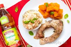 Vianočný kapor s batátmi a coleslaw šalátom - FitRecepty Coleslaw, Bagel, Tofu, Hummus, Quinoa, Smoothie, Bread, Chicken, Cooking