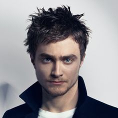 Daniel Radcliffe, he was prancing through my dreams last night! weird... but boy does he look good...