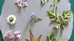 DIY-hangers met bloemen en planten afdruk