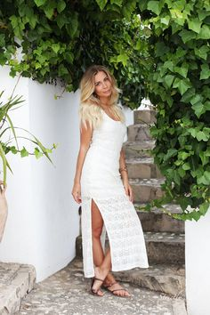 http://www.olivialehti.fi/strictly-style my sister white lace dress outfit altea spain in strictly style blog