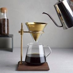 NEW Kinto Japan Brass Brewer Stand Set Slow Pour Over Coffee! Shop Kinto @alternativebrewing Link in Bio  1-4 Day Shipping in Australia 7-10 Worldwide