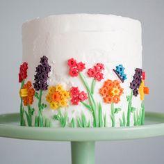 Spring Cake - ELLEDecor.com