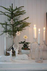 easy and simple christmas tree decorations; Beach Christmas, Noel Christmas, Scandinavian Christmas, Simple Christmas, Winter Christmas, Christmas Crafts, Christmas Inspiration, Christmas Tree Decorations, Xmas Tree